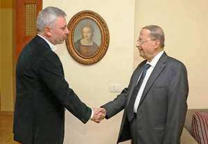 Aoun met with Frangieh on December 9, 2015 in Rabieh. ©Moulahazat